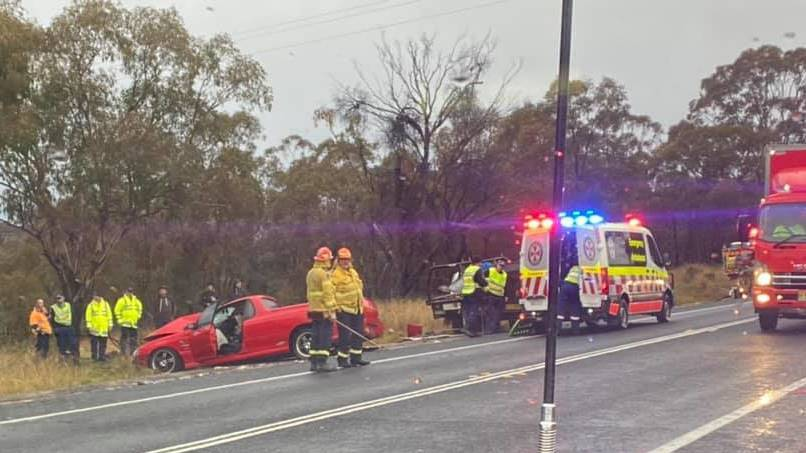 TRAFFIC: Emergency services remain on scene at a two-car crash on the Great Western Highway between Bathurst and Lithgow in 2020. Photo: BATHURST SES