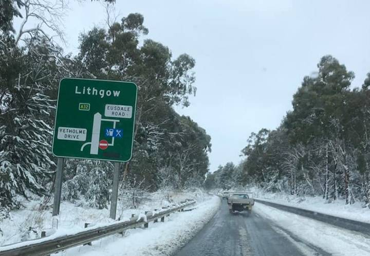 WHITEOUT: The Great Western Highway between Bathurst and Lithgow on Sunday afternoon after the road reopened. Photo: SUPPLIED